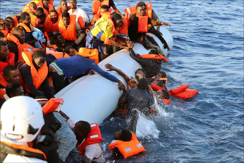 """""""Rifugiati: ai confini dell'umanità"""" © Francesco Malavolta"""
